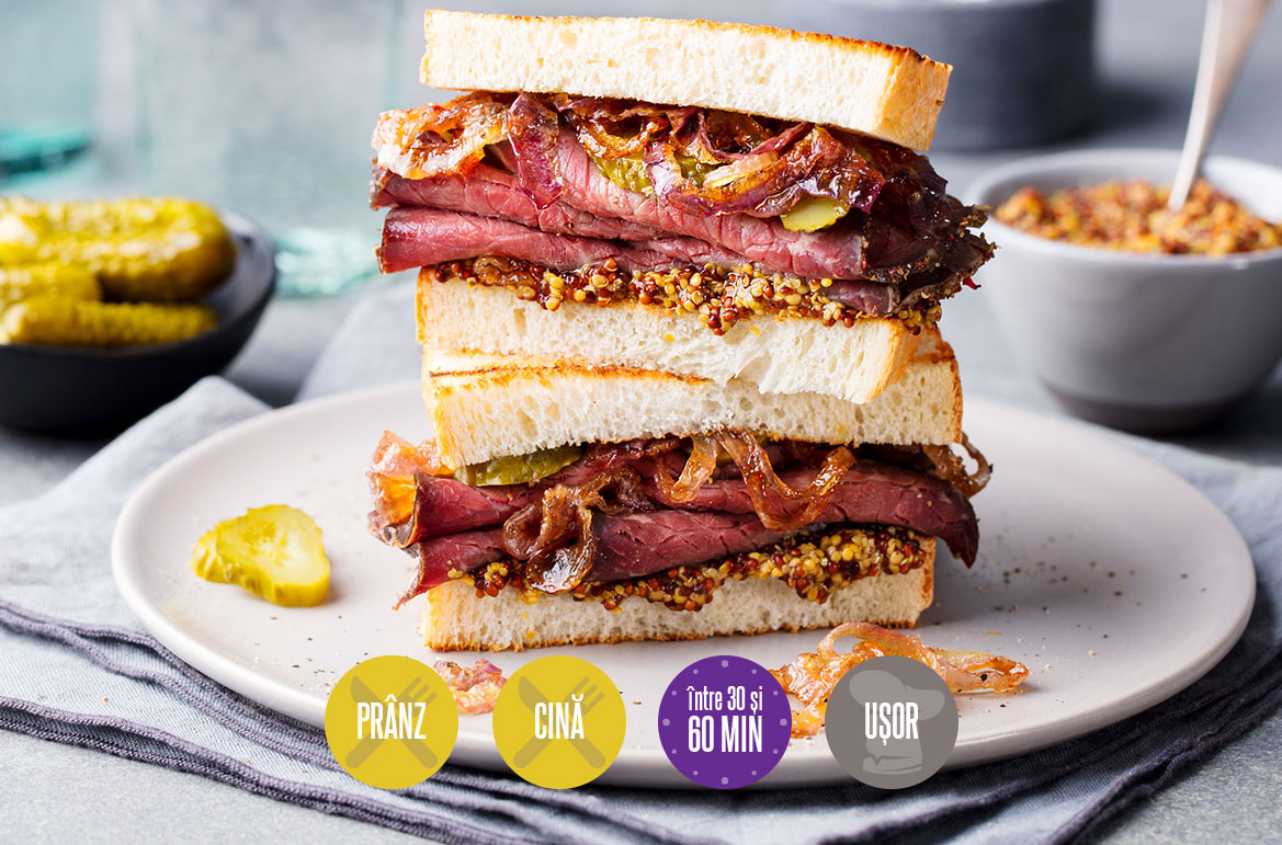 sandviș cu vită și ceapă caramelizată