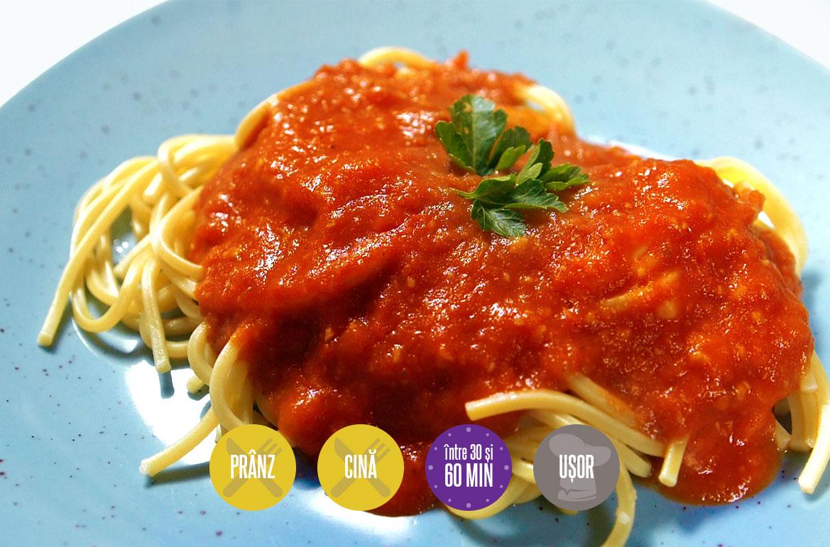 spaghete cu sos de roșii coapte