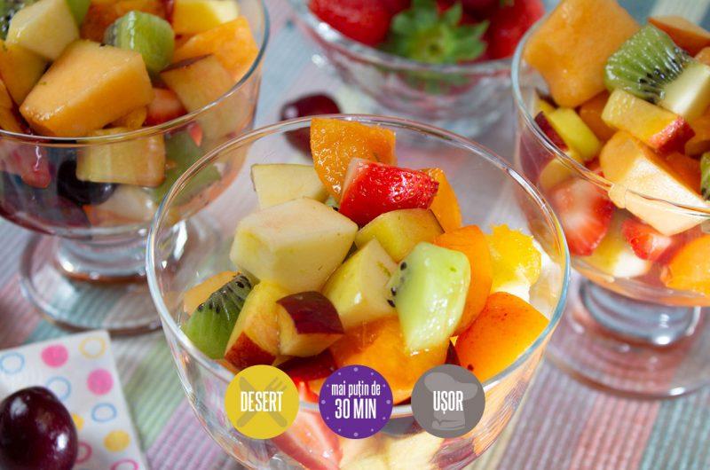 salată de fructe