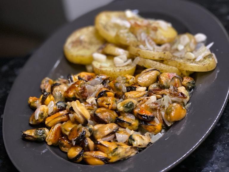 fructe de mare gătite de Andrei Ropcea sau Randi