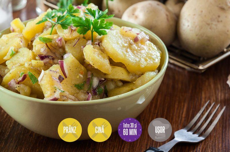 Salată orientală cu sos tahina