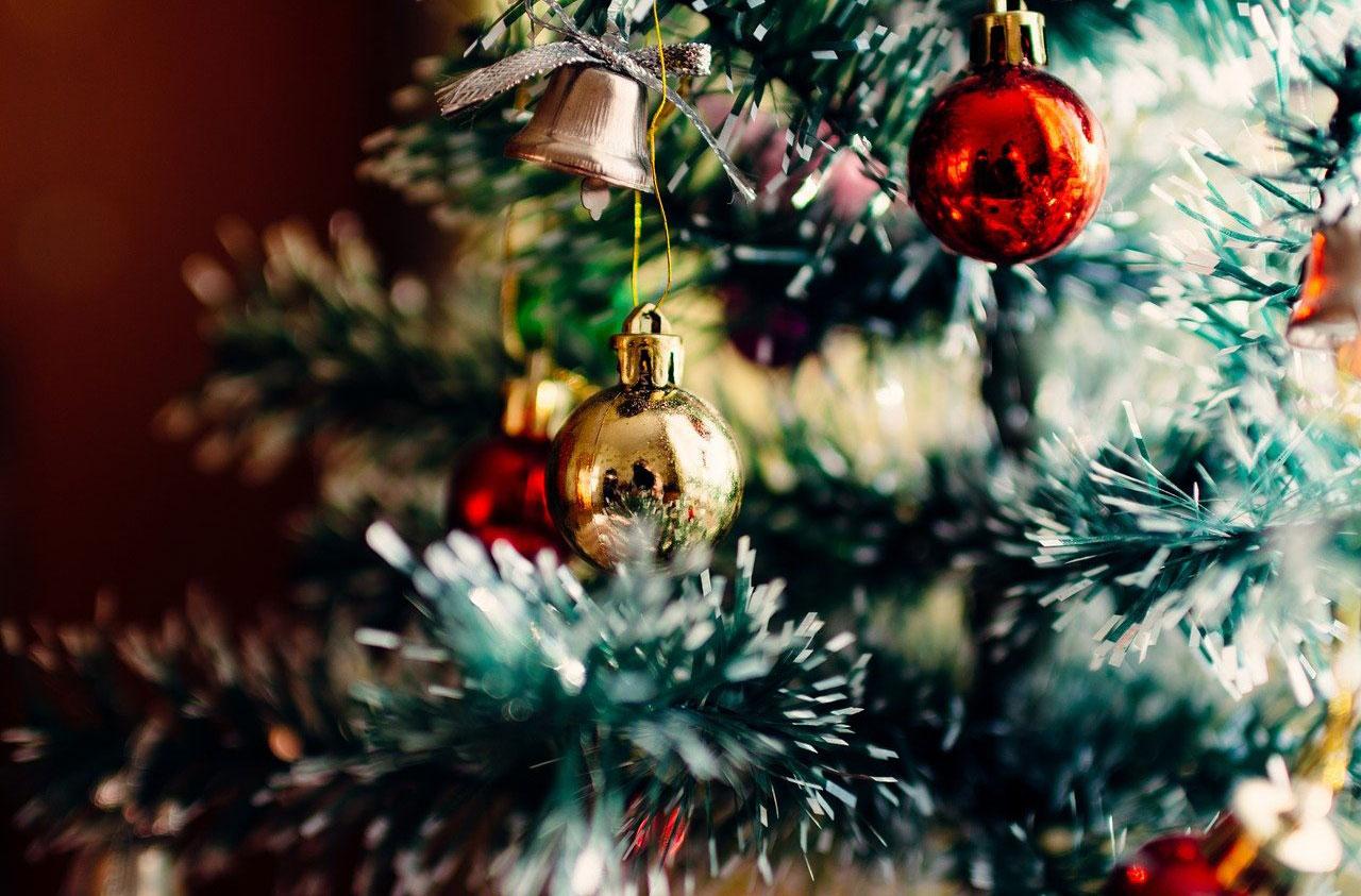 ornamente de brad de crăciun