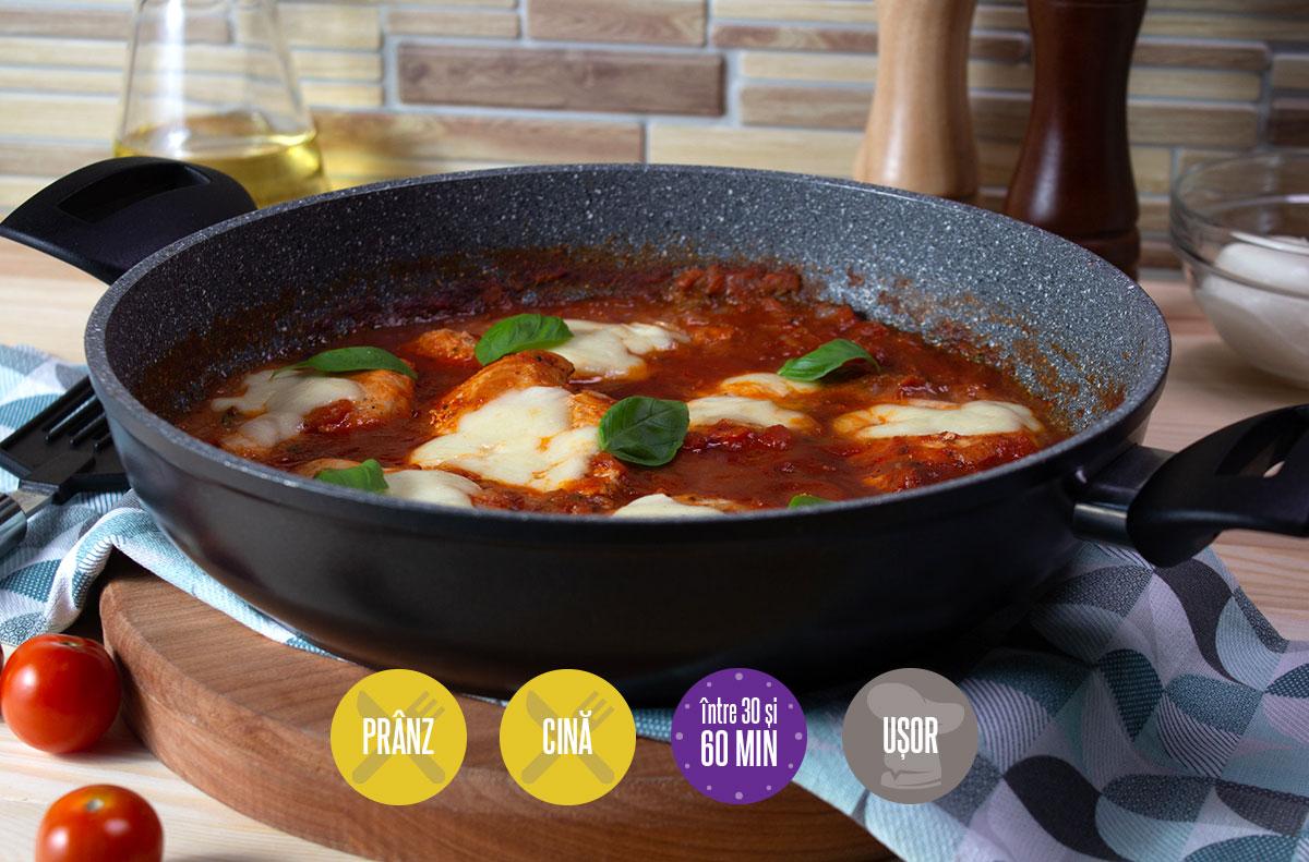 pui cu sos de roșii și mozzarella