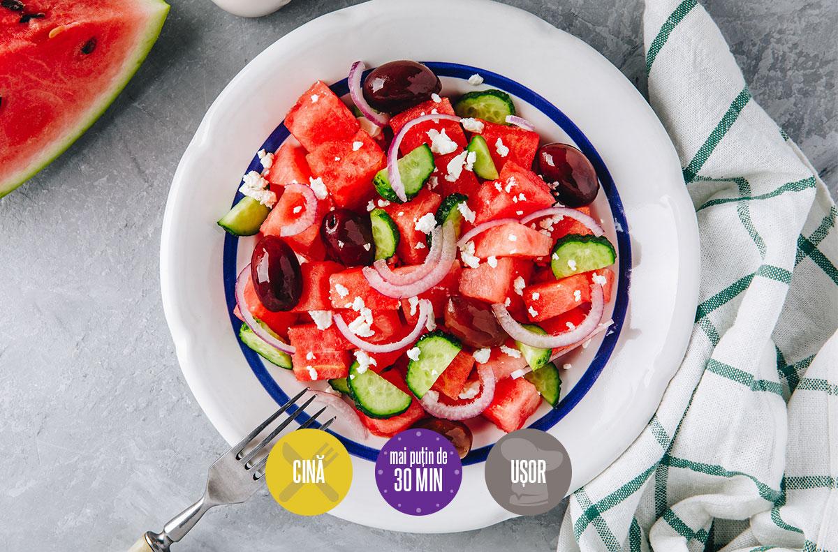salată de pepene roșu cu brânză telemea