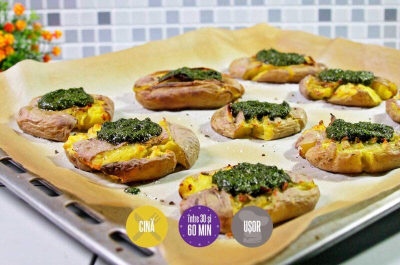 cartofi copți cu verdeață și usturoi